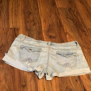 Vintage inspired Mossimo light wash shorts